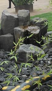 Teich Im Garten : teich anlegen gartenteich anlegen bachlauf im garten ~ Lizthompson.info Haus und Dekorationen