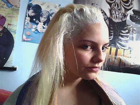 hair platinum blonde white