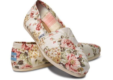 shabby chic toms shabby chic womens classics toms com from toms