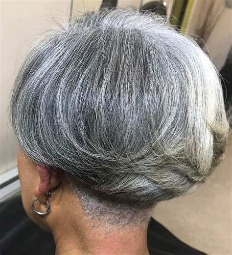 65 Gorgeous Gray Hair Styles in 2020 Transition to gray