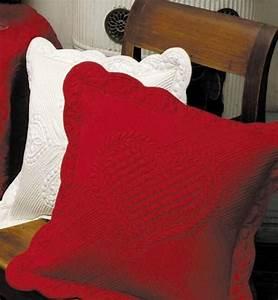 Housse De Coussin Rouge : housse de coussin boutis rouge d coration ~ Teatrodelosmanantiales.com Idées de Décoration