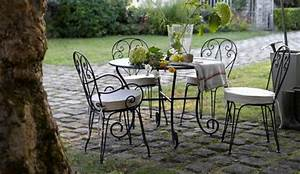 Salon De Jardin Romantique : deco fer forge jardin exterieur objet deco exterieur ~ Dailycaller-alerts.com Idées de Décoration