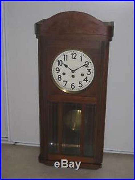 horloge design cuisine ancienne horloge murale en bois junghans pendule carillon