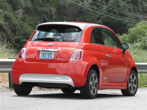Fiat 500 Electric Car by 2013 Fiat 500e Electric Car Sold Out In California