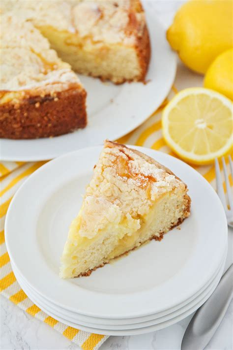 This lemon low carb coffee cake is a delicious cake for any time of the year. The Baker Upstairs: Lemon Cream Cheese Coffee Cake