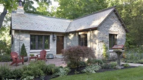 log gatehouse reinvented   english style