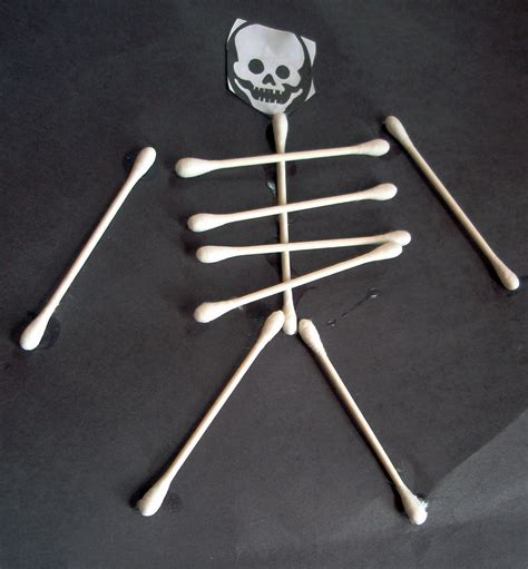 187 cotton swab skeletons project nuttin but preschool 680 | 4062365924 9e3c900e0a o