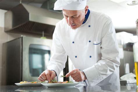 fiche de poste chef de partie cuisine chef de cuisine salaire études rôle compétences