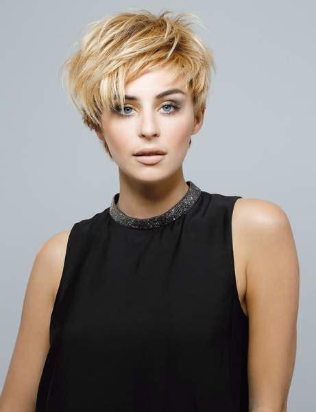 coupe courte femme 2019 oser un mod 232 le de coiffure cheveux courts