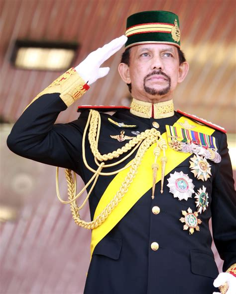 sultan hassanal viral what is the sultan of brunei doing in the middle