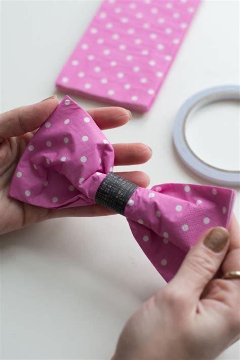 pliage serviette noeud papillon pliage de serviette en forme de nœud papillon pliage de serviettes nœuds papillons et pliage