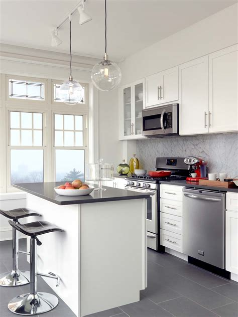 beach house kitchen cabinets image gallery house kitchen