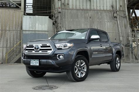 toyota tacoma review update   place