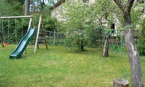 Õunapuud on täpselt õiges kohas kasvamas | Park, Park slide