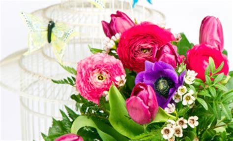 sognare fiori secchi come decorare casa con i fiori finti in modo chic leitv
