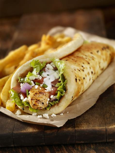 painting living rooms middle eastern chicken shawarma pita sandwich recipe