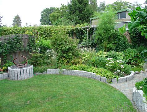 Garten Zwei Ebenen by Blumengarten 171 Gartenist Landschaftsarchitekturb 252 Ro