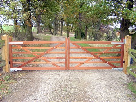 pictures of wooden gates wooden gates driveway gates field and garden gates