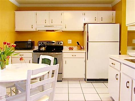 what of paint for kitchen cabinets painting your kitchen for resale hgtv 2145