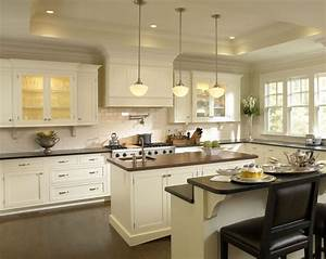 Beautiful antique white kitchen cabinets for timeless for Antique white kitchen cabinets