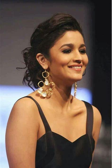 Alia Bhatt Hairstyles 12 Latest Alia Bhatt Hairstyling