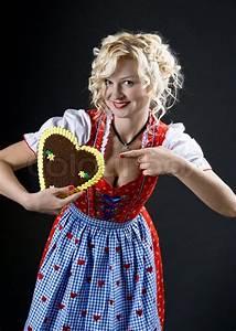 Frau Im Bild : bayerische frau im dirndl stockfoto colourbox ~ Eleganceandgraceweddings.com Haus und Dekorationen