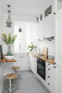kitchen decorating ideas for small spaces best 25 small condo kitchen ideas on