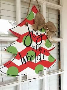 Wooden Door Hanger Christmas Tree - Masterpiece Mixers
