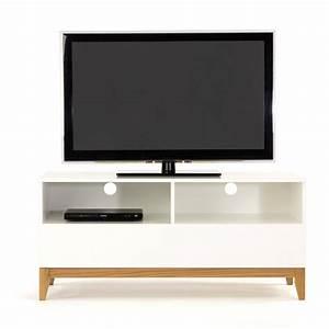 Meuble Tv Petit : petit meuble tv design id es de d coration int rieure french decor ~ Teatrodelosmanantiales.com Idées de Décoration