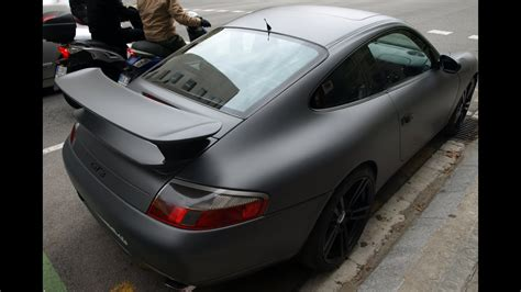 especial car wrap porsche  de color  gris metalizado