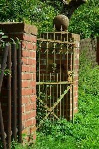 Gartentor Holz Kaufen : gartentor schloss welches modell eignet sich f r ihr gartentor ~ Markanthonyermac.com Haus und Dekorationen