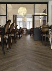 moduleo transform luxury vinyl flooring montreal oak 24825