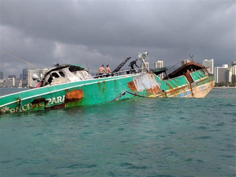 Bassmaster Boat Crash by One Month After Grounding Pacific Paradise Salvage