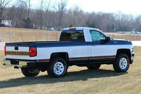 Two Tone Trucks by Quot New Quot Gm 2 Tone Trucks The Hull Boating And