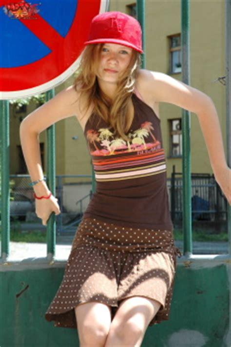 vipers girl model skachay ka