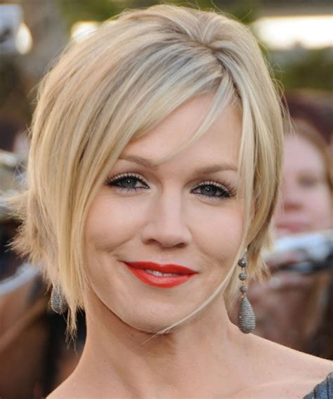 30 terrific short hairstyles for round faces creativefan