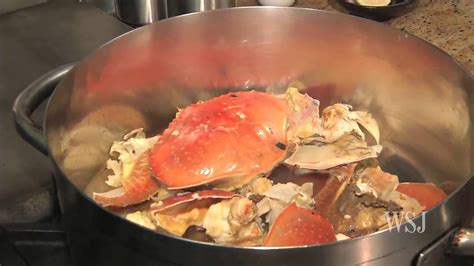 how to boil crab cooking tips how to prepare crab youtube