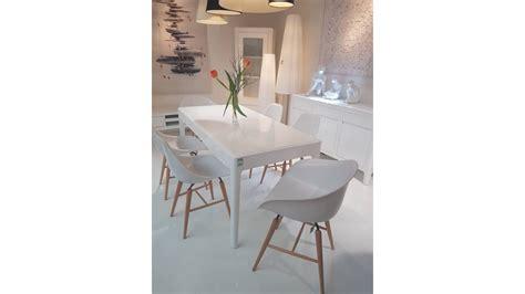 chaise blanche bois achetez votre chaise forum blanche pied en bois pas cher
