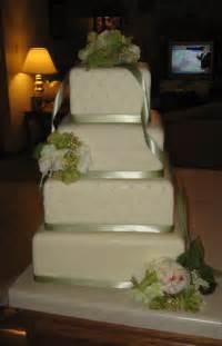 costco wedding cakes the bees 39 cake budgets weddingbee