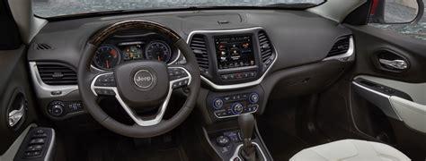 2018 Jeep Cherokee Versatile Interior Features
