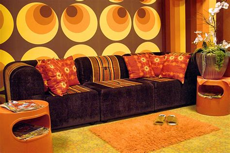 retro  big circle wallpaper brown orange yellow paste