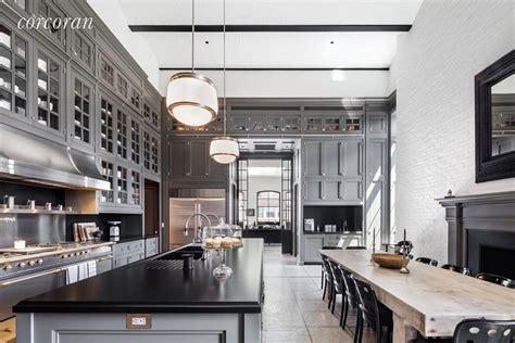 foot brick barrel vaulted ceiling kitchen  manhattan