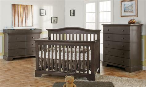 meuble chambre de bébé mondo bébé meubles pour bébé et enfants bassinettes