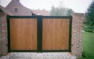 portail cadre acier remplissage bois ob fermetures With bois pour portail exterieur