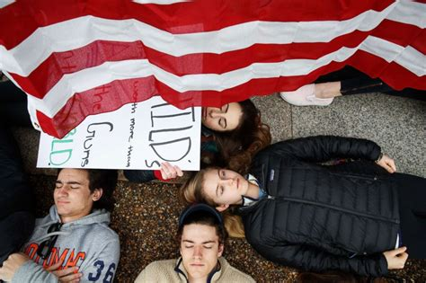 white house protest students hold lie in at white house to protest gun laws