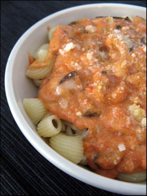pates aux aubergines et mozzarella pipe rigate aux aubergines tomates et mozzarella a la table de gaelle