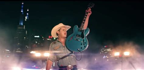 """Jon Pardi Performs Downtown On A Semi-truck For """"night"""