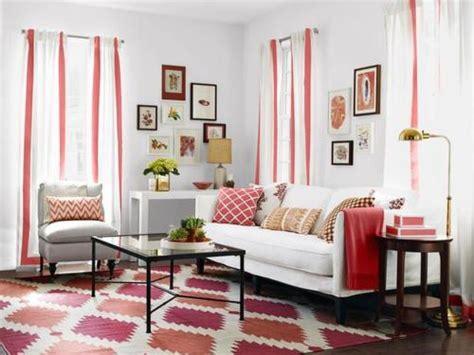 Gorgeous Contemporary Home With Autumnal-Hued Decor : كيفية اختيار اجمل سجاد لغرف الجلوس ؟