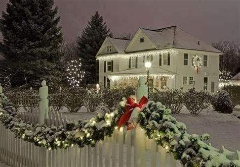beautiful outdoor christmas decorations pictures