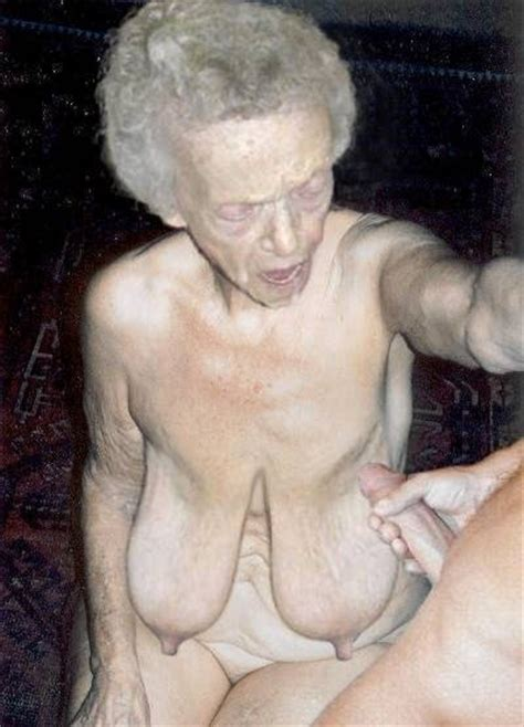 Ht2  Porn Pic From Granny Oma Hanging Tits Sex Image